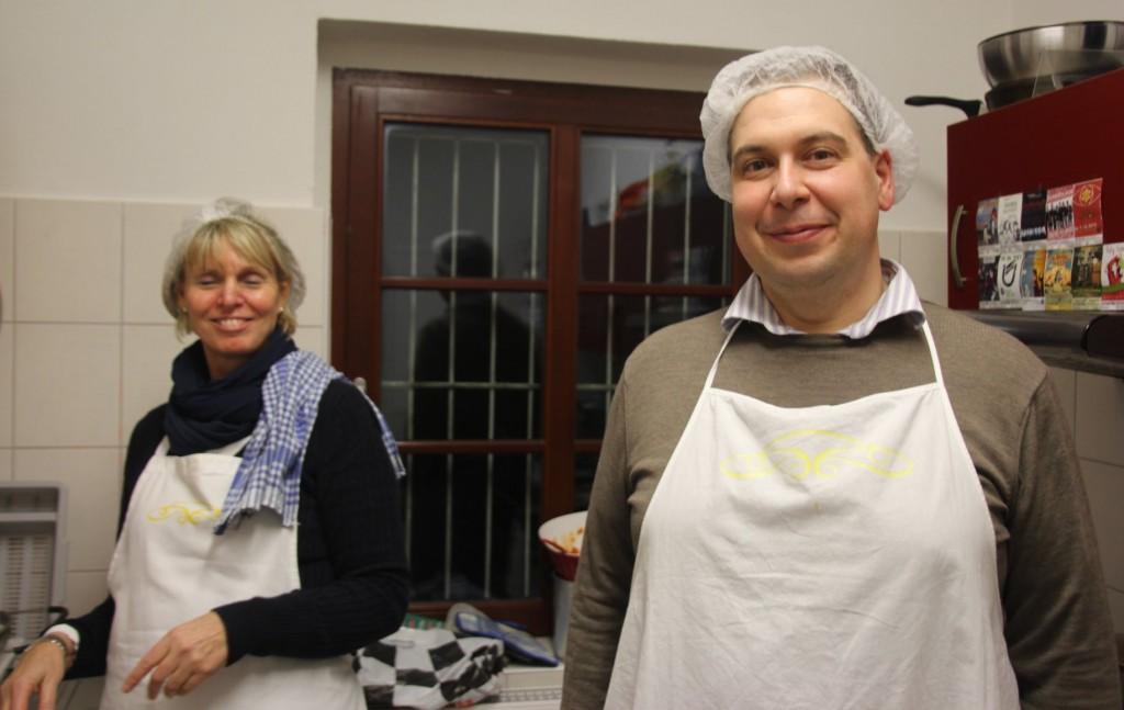Elfi Kritzler und Dr. Giorgio Gabriele von La Pastamanufaktur haben persönlich zahlreiche sehr schmackhafte Pastasorten vor Ort aufgewärmt und serviert